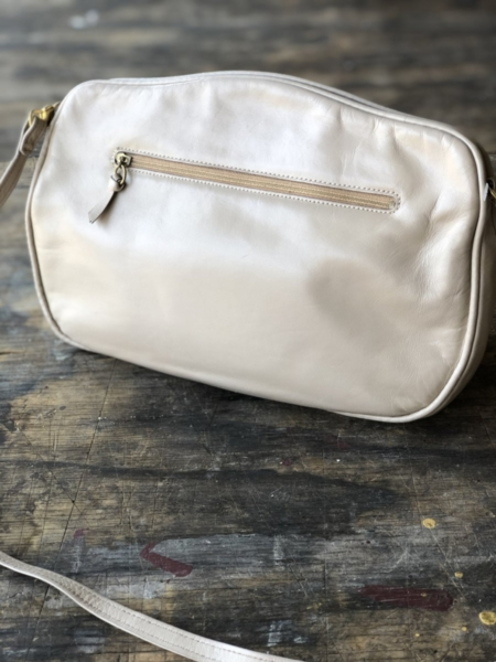 Hotbox-Vintage-South-Pasadena-California-Clothing-Bags-1300